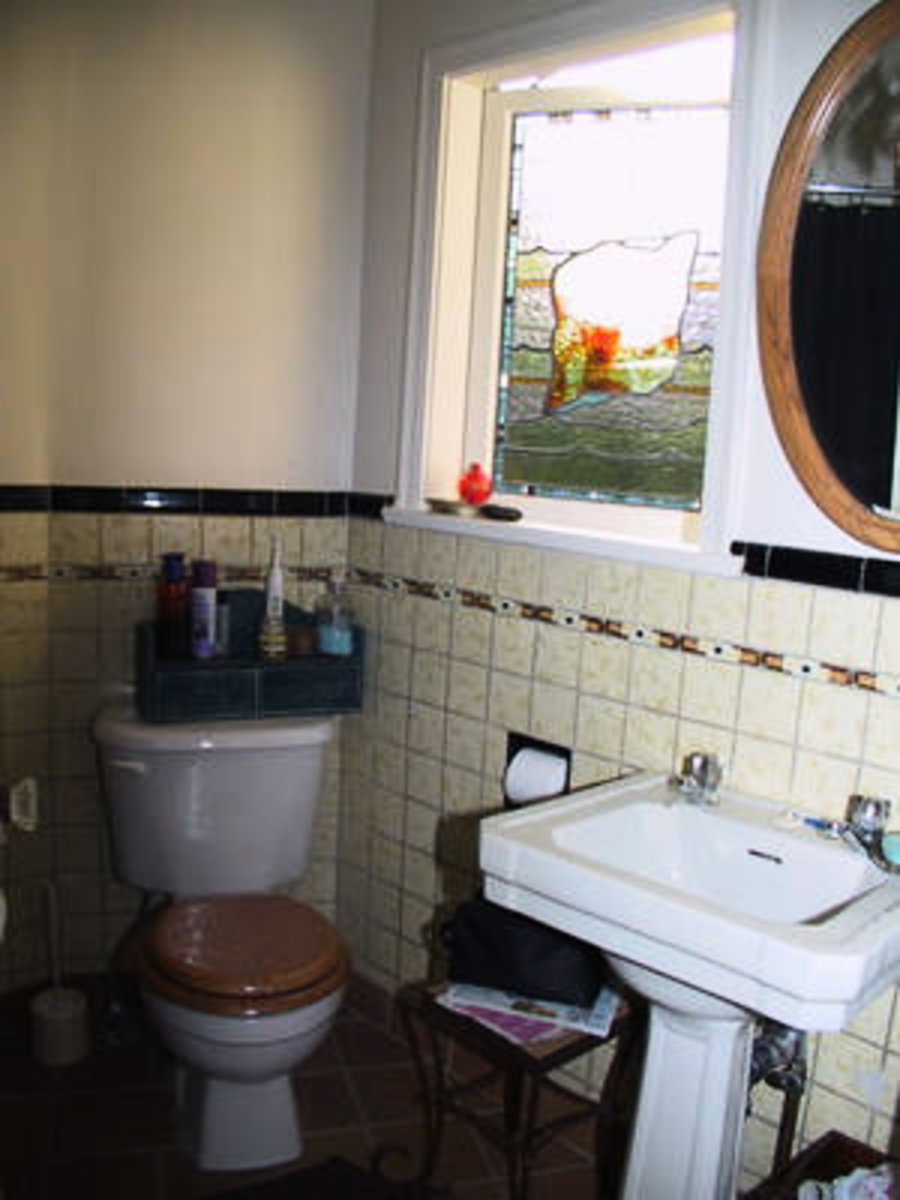 Bathroom Main Floor