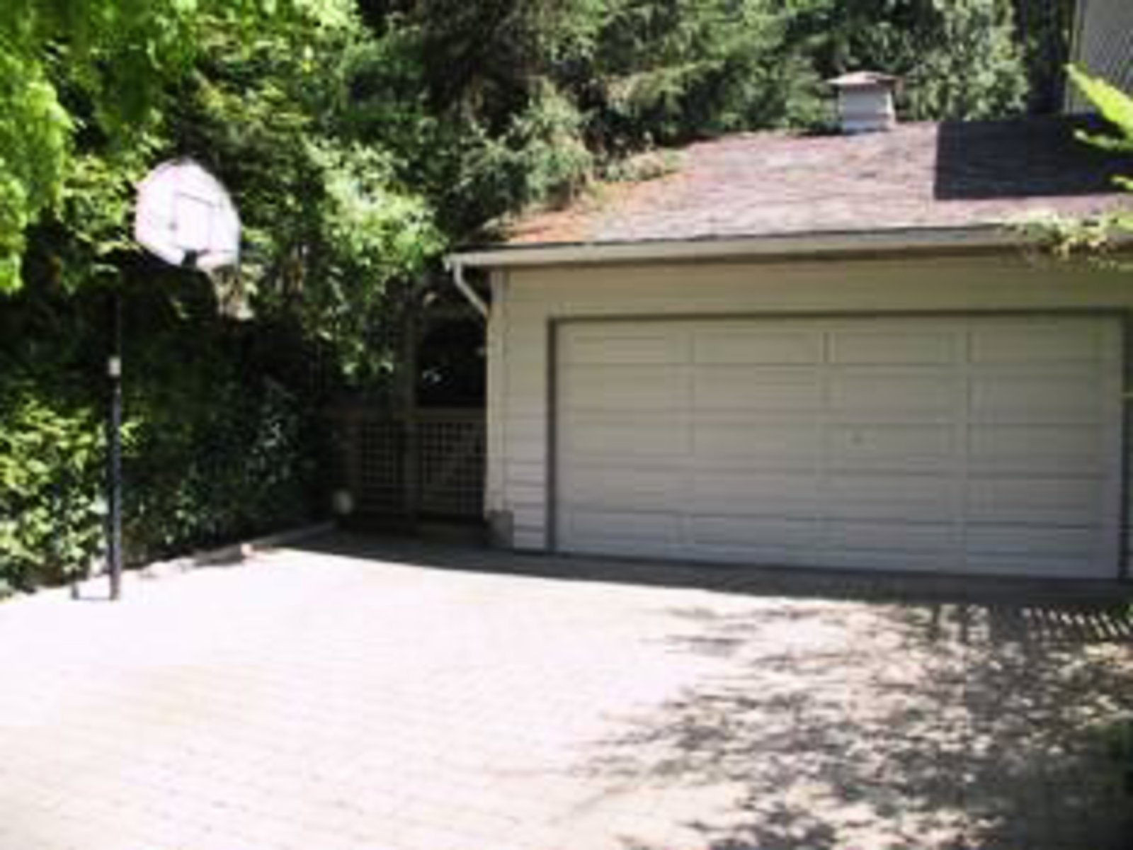 2 car garage interlocking brick driveway