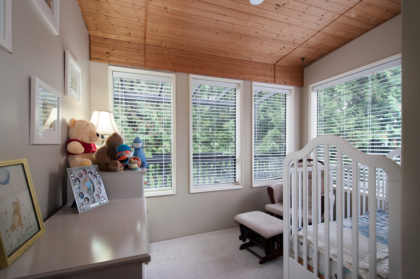 Master bedroom (Nursery room or den)
