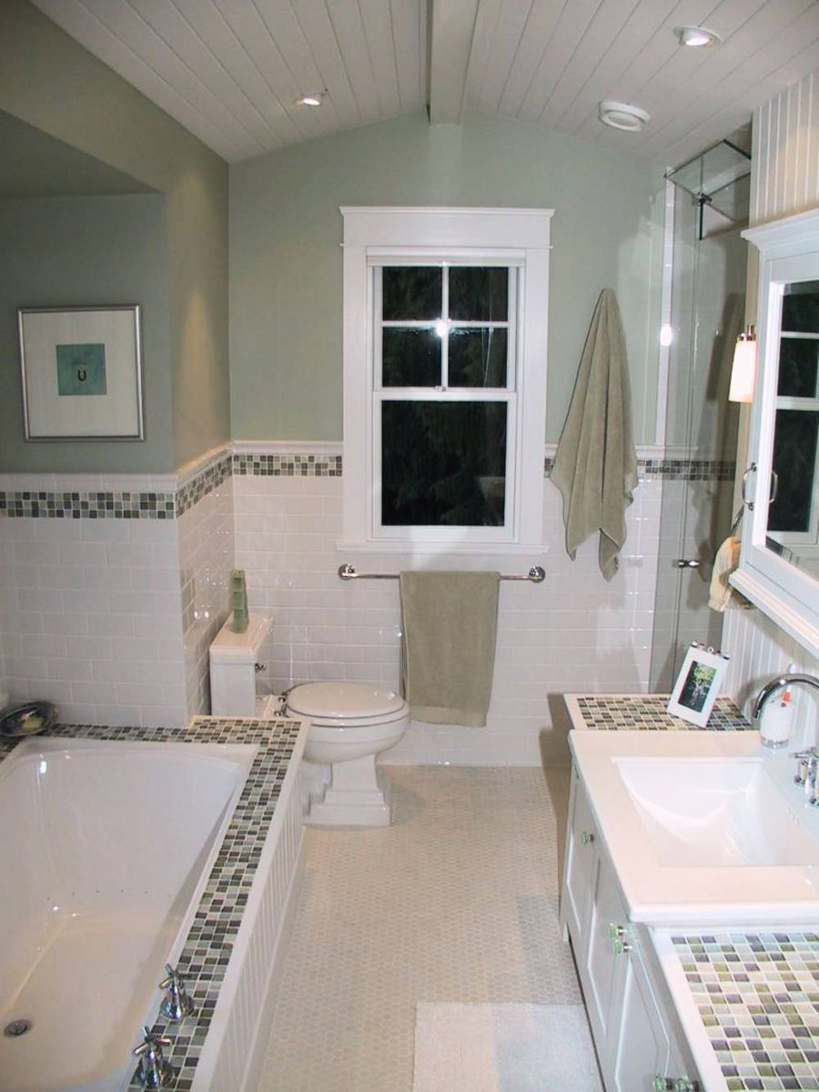 Master Bathroom Sunken bathtub, steam shower, vaulted ceilings