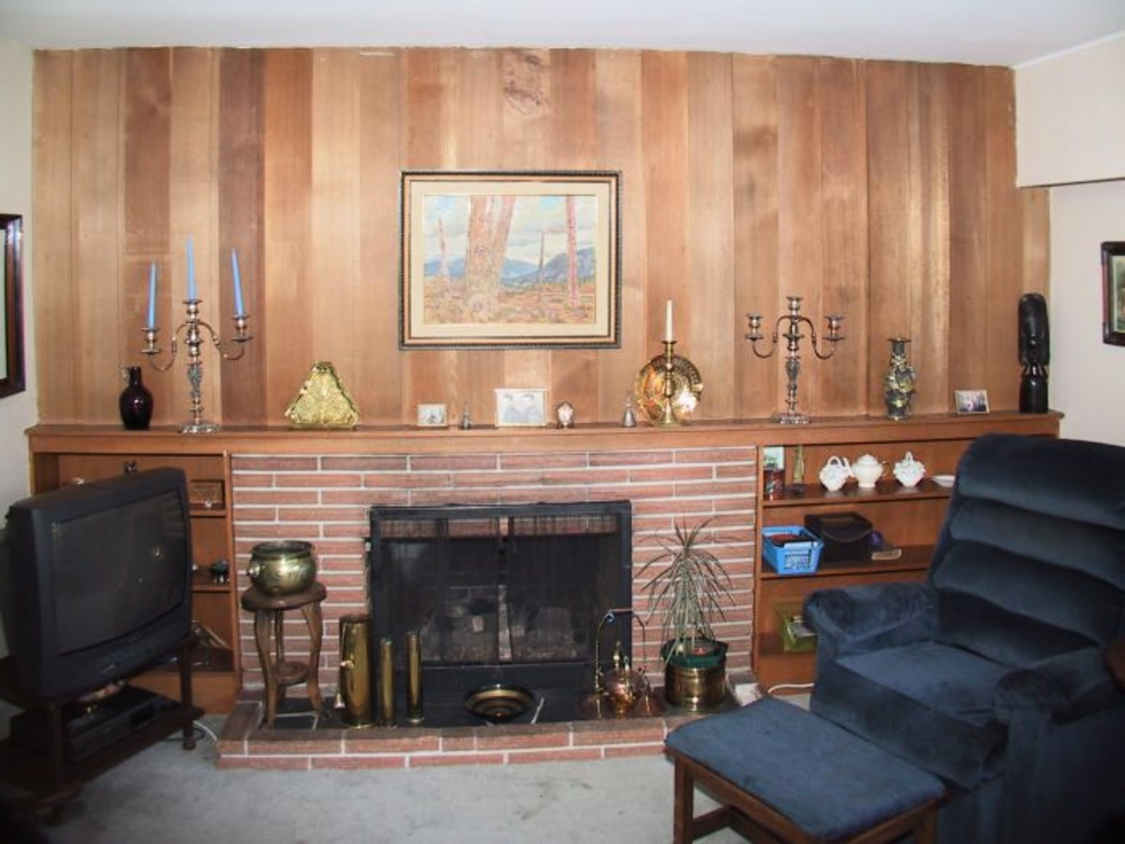 Family Room Down Gas Fireplace